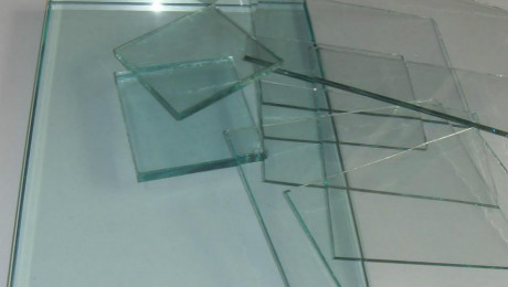 How to check the flatness of tempered glass?